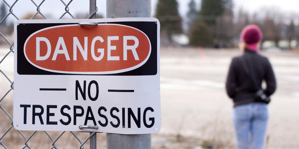 dangers-no-trespassing-sign