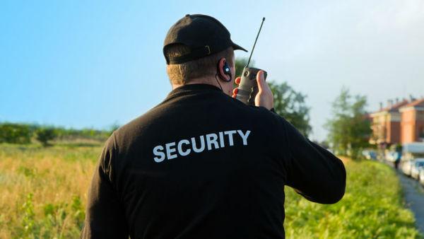 security-guard-738-ss-lsantilli12-crop-600x338